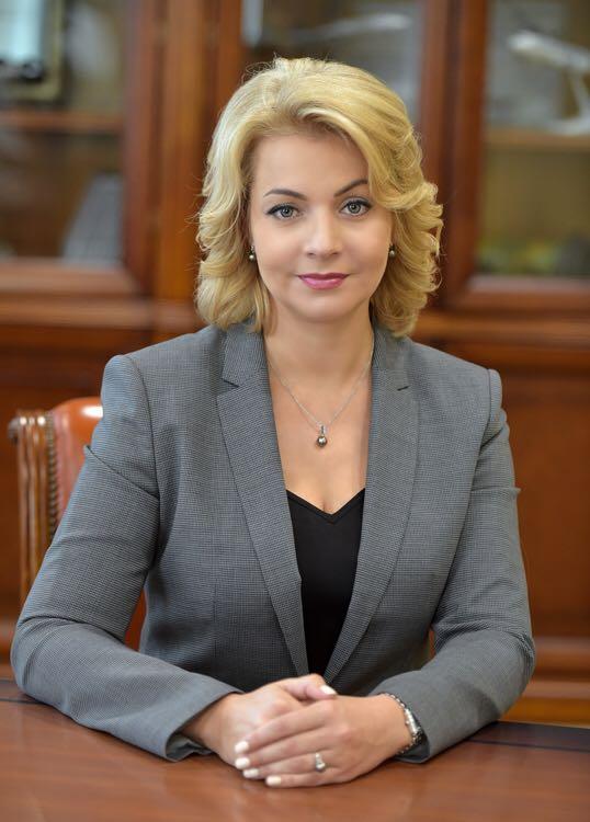 Елена Георгиева опровергает, что банкир – «неженская профессия»