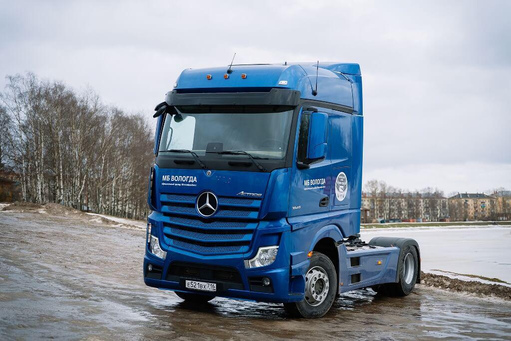 «Балтийский лизинг» и Mercedes-Benz презентовали клиентам инновационный тягач бренда