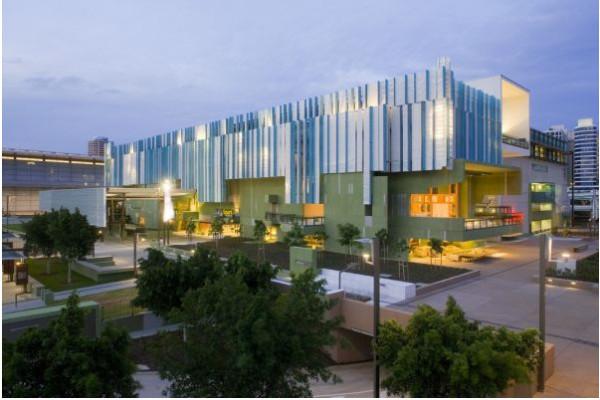 2006 год – новая публичная библиотека в Брисбене, Австралия