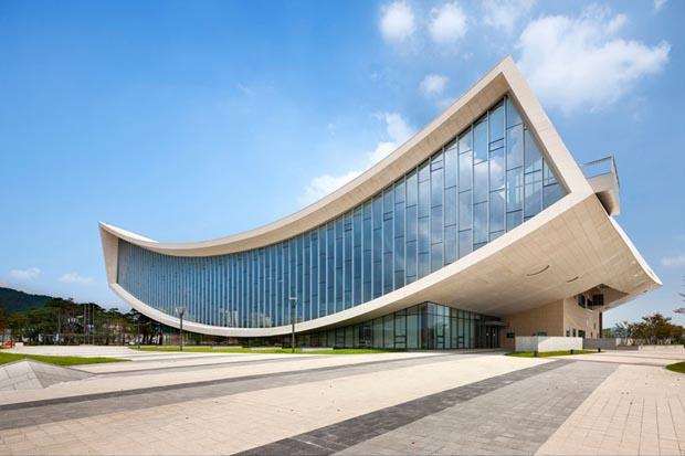 2013 год – новая библиотека в Сечжоне, Корея
