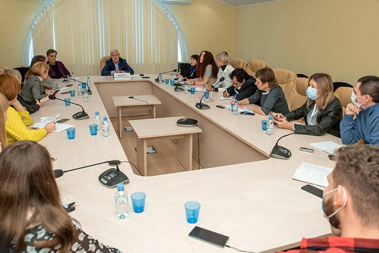 Брифинг с председателем Комитета Государственной Думы по финансовому рынку Анатолием Аксаковым